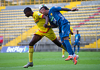 BOGOTA - COLOMBIA, 25-11-2020: Bogota F.C. y Itagüi Leones F. C., durante partido de la fecha 19 de los Cuadrangulares Semifinales del Torneo BetPlay DIMAYOR 2020 jugado en el estadio Metropolitano de Techo  en la ciudad de Bogota. / Bogota F.C. and Itagüi Leones F. C., during the date 19 of the Semifinals Quadrangular for the BetPlay DIMAYOR 2020 Tournament  played at the Metropolitano de Techo de stadium in Bogota city. / Photo: VizzorImage / Samuel Norato / Cont.