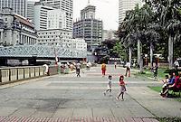 Singapore: Embankment, Singapore River. Photo '82.