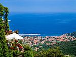 Italien, Toskana, Insel Elba, Blick vom Bergdorf Poggio auf Marciana Marina | Italy, Tuscany, island Elba, view from mountain village Poggio at Marciana Marina