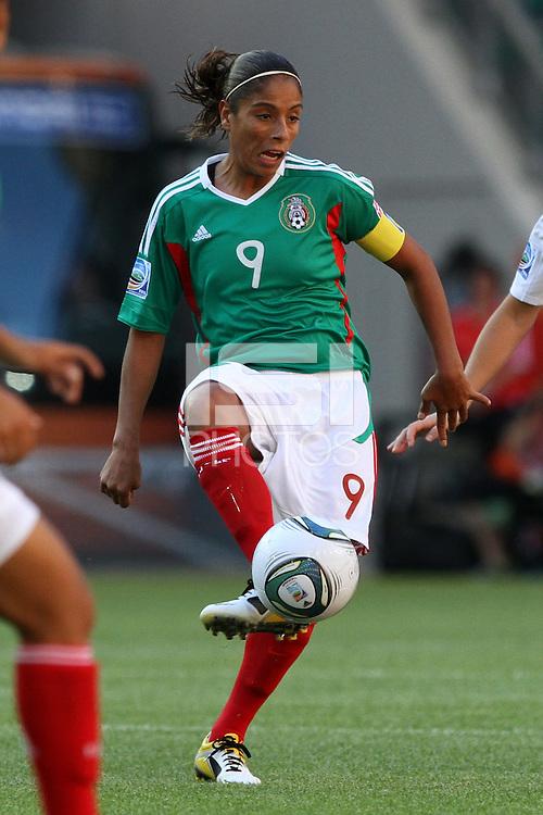 Wolfsburg , 270611 , FIFA / Frauen Weltmeisterschaft 2011 / Womens Worldcup 2011 , Gruppe B  ,  ..England - Mexico ..Maribel Dominguez (Mexico) ..Foto:Karina Hessland ..