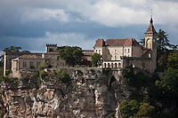 Europe/Europe/France/Midi-Pyrénées/46/Lot/Rocamadour:  le Château qui domine le village perché