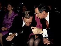 FILE -  Jean Chretien et Daniel Johnson (D) lorsque<br /> Les partisans du non tiennent un grand rassemblement a l'auditorium de Verdun le 24 octobre 1995<br /> <br /> PHOTO : Agence Quebec Presse