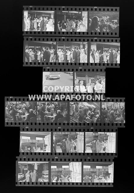 1973-1974<br />ALFABETISCH IN HOES<br />BOSVELD OPENING ZAAK<br />©FOTO: APA FOTO