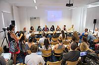 """Pressekonferenz der Menschenrechtsorganisation """"Terre des Femmes"""" am Donnerstag den 23. August 2018 in Berlin, anlaesslich ihrer Petition """"Den Kopf frei haben!"""", die sich fuer ein Verbot des sogenannten """"Kinderkopftuch"""" fuer Maedchen unter 18 Jahren einsetzt. Fuer Terre des Femmes ist das Kinderkopftuch der Missbrauch von Kindern fuer eine Religion und eine Kinderrechtsverletzung.<br /> Ziel der Unterschriftensammlung fuer die Petition sind 100.000 Unterschriften.<br /> Auf dem Podium vlnr.: Dr. Necla Kelek, Mitglied im Vorstand von Terre des Femmes; Elham Manea, Politologin und Autorin; Ali Ertan Toprak, Praesident de Bundesarbeitsgemeinschaft der Immigrantenverbaende; Nina Coenen, Terre des Femmes; Prof. Dr. Susanne Schroeter, Direktorin des Frankfurter Forschungszentrum Globaler Islam; Seyran Ates, Rechtsanwaeltin und Imamin an der liberalen Ibn-Rushd-Goethe-Moschee in Berlin und Dr. Sigrid Peter, Vizepraesidentin des Bundesverbands des Kinder- und Jugendaerzte.<br /> 23.8.2018, Berlin<br /> Copyright: Christian-Ditsch.de<br /> [Inhaltsveraendernde Manipulation des Fotos nur nach ausdruecklicher Genehmigung des Fotografen. Vereinbarungen ueber Abtretung von Persoenlichkeitsrechten/Model Release der abgebildeten Person/Personen liegen nicht vor. NO MODEL RELEASE! Nur fuer Redaktionelle Zwecke. Don't publish without copyright Christian-Ditsch.de, Veroeffentlichung nur mit Fotografennennung, sowie gegen Honorar, MwSt. und Beleg. Konto: I N G - D i B a, IBAN DE58500105175400192269, BIC INGDDEFFXXX, Kontakt: post@christian-ditsch.de<br /> Bei der Bearbeitung der Dateiinformationen darf die Urheberkennzeichnung in den EXIF- und  IPTC-Daten nicht entfernt werden, diese sind in digitalen Medien nach §95c UrhG rechtlich geschuetzt. Der Urhebervermerk wird gemaess §13 UrhG verlangt.]"""