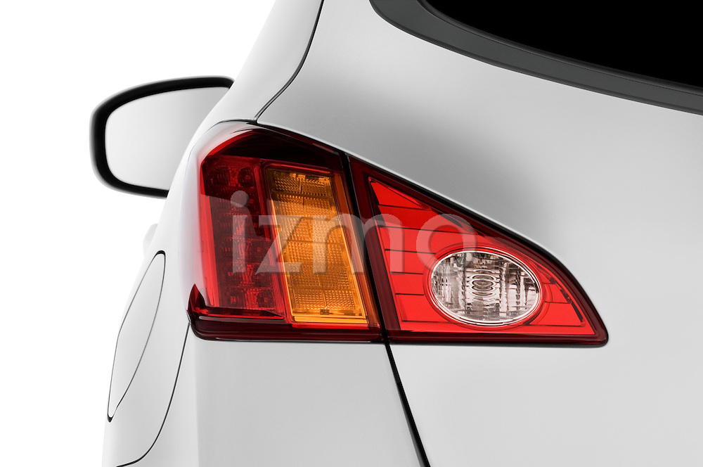 Tail light close up detail view of a 2009 Nissan Murano