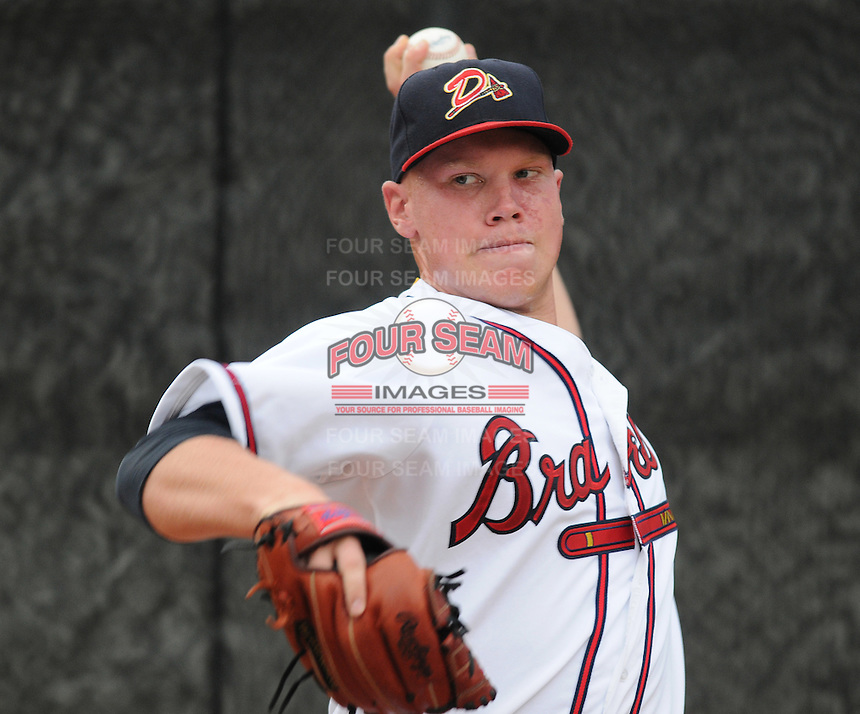 July 15, 2009: LHP Brett Oberholtzer (18) of the Danville Braves, rookie Appalachian League affiliate of the Atlanta Braves, before a game at Dan Daniel Memorial Park in Danville, Va. Photo by:  Tom Priddy/Four Seam Images