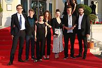 GABRIEL LE BOMIN, SWANN ARLAUD, SOLENE RIGOT, SALOME RICHARD, ELODIE FREGE, OLIVIER CHANTREAU ET YANISS LESPERT - 31EME FESTIVAL DE CABOURG 2017 . CABOURG, FRANCE, 18/06/2017. # 31EME FESTIVAL DE CABOURG 2017 - PHOTOCALL ET CLOTURE DU FESTIVAL