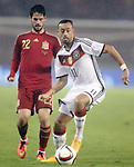 Spain's Isco (l) and Germany's Bellarabi during international friendly match.November 18,2014. (ALTERPHOTOS/Acero)