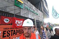 Rio de Janeiro (RJ), 18/02/2020 - Protesto-Rio - Petroleiros em greve fazem ato em frente a sede da Petrobras na avenida Chile no centro do Rio de Janeiro nesta terca-feira (18). (Foto: Ellan Lustosa/Codigo 19/Codigo 19)