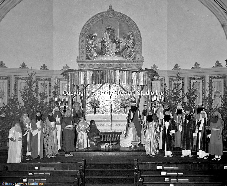 Pittsburgh PA: View of the Christmas play; the birth of baby Jesus, at the First Luthern Church on Grant Street in Pittsburgh.  Members of the congregation donned period clothing the recreate Christmas night 1958 years earlier.