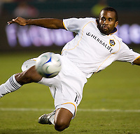 Galaxy' defender Troy Roberts. LA Galaxy defeated the Colorado Rapids 3-2 at Home Depot Center stadium in Carson, California on Sunday October 12, 2008. Photo by Michael Janosz/isiphotos.com