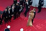 """70eme Festival International du Film de Cannes. Montee de la ceremonie de cloture, vues du toit du Palais . 70th International Cannes Film Festival. Vew from rof top of closing red carpet<br />  Thurman, Uma; Hawke-Thurman, Roan (""""Levon"""")"""