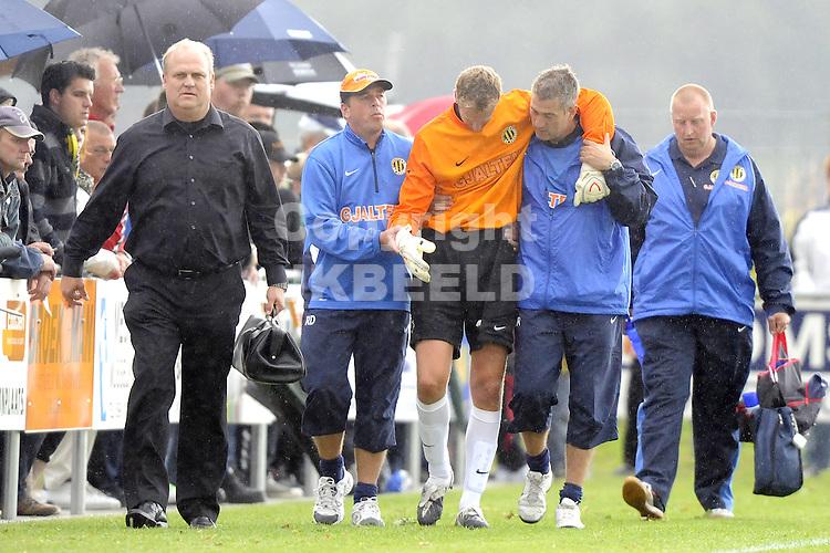 voetbal fc emmen - bv veendam voorbereiding  seizoen 2009-2010 18-07-2009 remco van der veen valt uit met schouderblessure.
