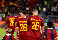 Roma's players enter the pitch wearing jerseys of their injured teammate Roma's Rick Karsdorp, prior to the start of the Serie A football match between Roma and Bologna at Rome's Olympic stadium, October 28, 2017.<br /> UPDATE IMAGES PRESS/Riccardo De Luca