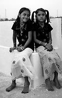 "10.2008 Dwarka (Gujarat)<br /> <br /> Two young giels the holy day of ""Eid al adha"".<br /> <br /> Deux fillettes le jour de ""l'Aid al adha""."
