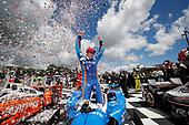Verizon IndyCar Series<br /> Kohler Grand Prix<br /> Road America, Elkhart Lake, WI USA<br /> Sunday 25 June 2017<br /> Scott Dixon, Chip Ganassi Racing Teams Honda celebates in Victory Lane<br /> World Copyright: Michael L. Levitt<br /> LAT Images