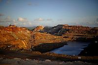 Las minas de Riotinto se sitúan en el corazón de la franja pirítica del suroeste de España, en la provincia de Huelva. Han albergado históricamente las principales minas de oro, plata y cobre del país y guarda un impresionante patrimonio industrial que lo convierten en uno de los puntos más singulares de Andalucía. En la imagen la mina de Cerro Colorado. 15 noviembre 2011(c) Pedro ARMESTRE. .