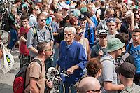 Hanfparade 2014 in Berlin.<br /> Bis zu 6.000 Menschen nahmen am Samstag den 9. August 2014 an der jaehrlichen Hanfparade teil. Sie forderten die Legalisierung von Hanf als Rauschmittel und als Medizin sowie die Beendigung der Kriminalisierung der Droge Canabis.<br /> Im Bild: Christian Stroebele, MdB b90/Die Gruenen, ein langjaehriger Befuerworter der Legalisierung von Canabis.<br /> 9.8.2014, Berlin<br /> Copyright: Christian-Ditsch.de<br /> [Inhaltsveraendernde Manipulation des Fotos nur nach ausdruecklicher Genehmigung des Fotografen. Vereinbarungen ueber Abtretung von Persoenlichkeitsrechten/Model Release der abgebildeten Person/Personen liegen nicht vor. NO MODEL RELEASE! Don't publish without copyright Christian-Ditsch.de, Veroeffentlichung nur mit Fotografennennung, sowie gegen Honorar, MwSt. und Beleg. Konto: I N G - D i B a, IBAN DE58500105175400192269, BIC INGDDEFFXXX, Kontakt: post@christian-ditsch.de<br /> Urhebervermerk wird gemaess Paragraph 13 UHG verlangt.]