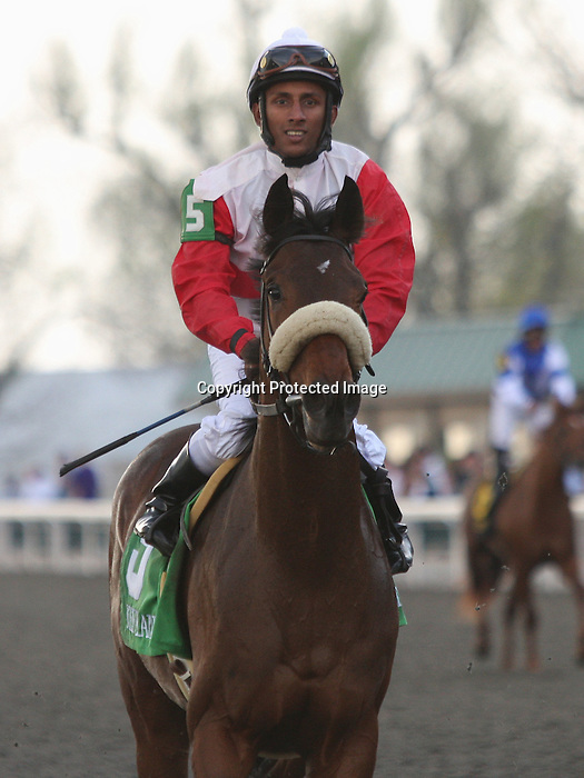 08 April 2011.  #5 Air Support and Rajiv Maragh win the 23rd running of the Transylvania GRIII $100,000.