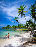 Dominikanische Republik, Halbinsel Samana, Paar am Playa Blanca | Dominican Republic, Samana peninsula, Playa Blanca, couple
