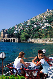 Turkey, Province Antalya, Alanya: holiday resort at Mediterranean Sea, tourists at caf