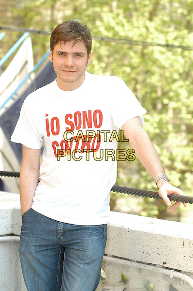 "DANIEL BRUL .Photocall for the film ""Salvador (Puig Antich)"" in Rome, Italy..April 12th, 2007.half length white top .CAP/CAV.©Luca Cavallari/Capital Pictures"