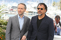 DIRECTOR OF PHOTOGRAPHY EMMANUEL LUBEZKI AND DIRECTOR ALEJANDRO GONZALEZ INARRITU - PHOTOCALL OF THE FILM 'CARNE Y ARENA' AT THE 70TH FESTIVAL OF CANNES 2017