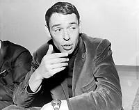 Jacques Brel au Quebec<br /> , Entre le 22 et le 28 novembre 1965<br /> Photo : Agence Quebec Presse - Photo Moderne