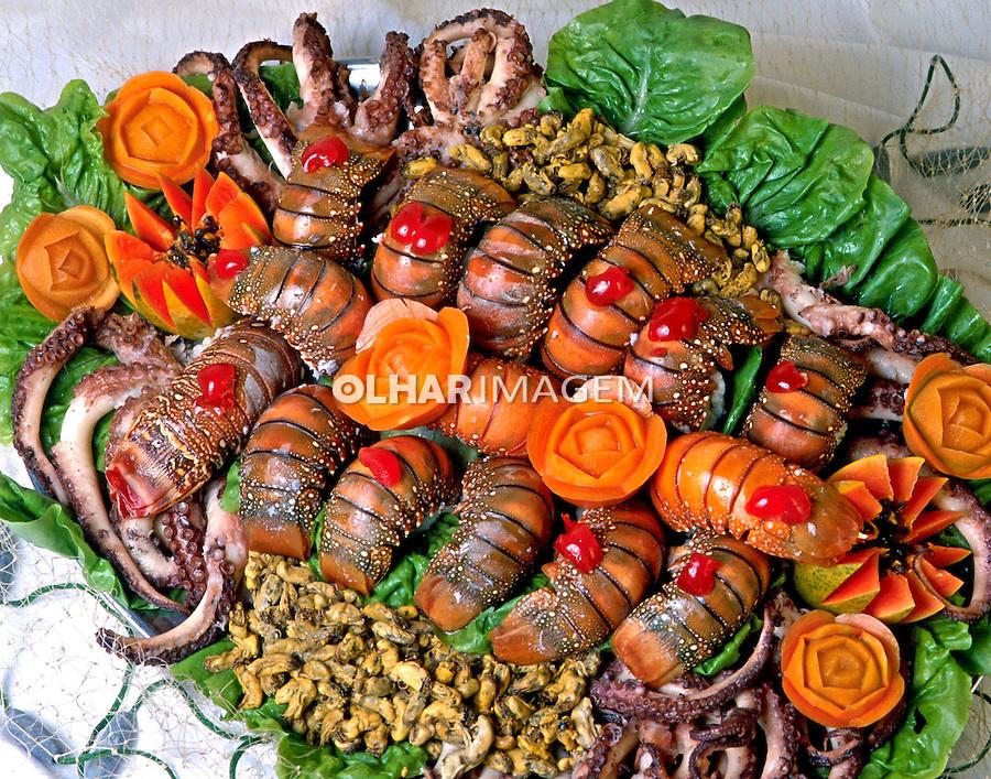 Alimentos. Prato de lagosta. Foto de Stefan Kolumban