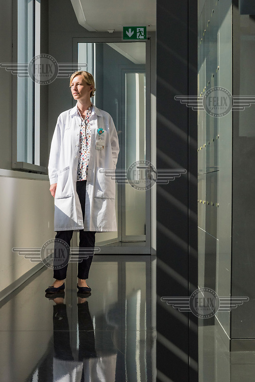 Professor Isabella Eckerle-Meyer, from the<br /> Geneva Centre for Emerging Viral Diseases in a laboratory at the University Hospitals of Geneva (HUG).