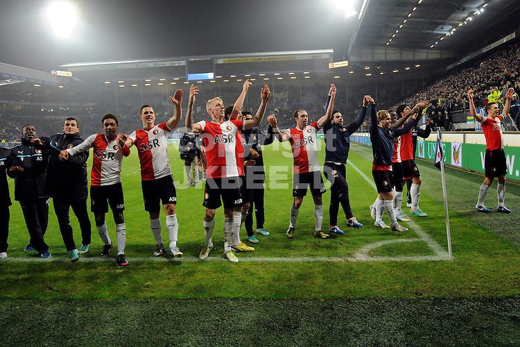HEERENVEEN - Voetbal, SC Heerenveen - Feyenoord, KNVB beker ,  Abe Lenstra stadion, seizoen 2012-2013, 19-12-2012,  Feyenoord viert de winst met de supporters