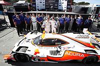 #6 Acura Team Penske Acura DPi, DPi: Juan Pablo Montoya, Dane Cameron, podium, victory lane, Acura personnel