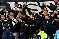 BOGOTA - COLOMBIA – 28 - 02 - 2018: Los hinchas de Corinthians (BRA), animan a su equipo, durante partido entre Millonarios (COL) y Corinthians (BRA), de la fase de grupos, grupo 7, fecha 1 de la Copa Conmebol Libertadores 2018, en el estadio Nemesio Camacho El Campin, de la ciudad de Bogota. / Fans of Corinthians (BRA), cheer for their team during a match between Millonarios (COL) and Corinthians (BRA), of the group stage, group 7, 1st date for the Conmebol Copa Libertadores 2018 in the Nemesio Camacho El Campin stadium in Bogota city. VizzorImage / Luis Ramirez / Staff.