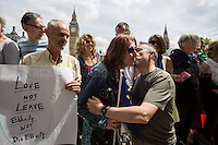 "London, 19/06/2016. Today, Avaaz Campaigns UK held a demonstration in Parliament Square where 428 people set a new world's longest kissing chain record ""as a symbol of love between Britain and Europe ahead of the EU referendum"". From the organiser Facebook page: <<[…] After the tragic death of British MP and mother of two, Jo Cox, our World Record of Kisses is even more important to show that love will win over hate if we all stand together. […] Just before the EU referendum, we're launching an inspiring action in the center of London to show that we're stronger together: the World Record of Kisses! Hundreds of Londoners will gather to break the Guinness World Record of Kisses and will be joined by people in Paris, Berlin and Rome, who will be kissing around the Colosseum, the Eiffel tower and the Brandenburg Gate. Be a part of it! We'll flood the media with images of love and unity to fight division and hate -- and those who are right now pushing Britain to leave Europe […]>>.<br />