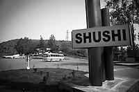"Nagorny-Karabach, 22.05.2011, Shushi. Ein Schild weist an einer Kreuzung die Richtung zur Stadt. ..""The Twentieth Spring"" - ein Portrait der s¸dkaukasischen Stadt Schuschi, 20 Jahre nach der Eroberung der Stadt durch armenische K?mpfer 1992 im B¸gerkrieg um die Unabh?ngigkeit Nagorny-Karabachs (1991-1994). A Shushi sign at towns entrance. ..""The Twentieth Spring"" - A portrait of Shushi, a south caucasian town 20 years after its ""Liberation"" by armenian fighters during the civil war for independence of Nagorny-Karabakh (1991-1994). .Le panneau d'entrée de la ville de Chouchi. ""Le Vingtieme Anniversaire"" - Un portrait de Chouchi, une ville du Caucase du Sud 20 ans après sa «libération» par les combattants arméniens pendant la guerre civile pour l'indépendance du Haut-Karabakh (1991-1994)..© Timo Vogt/Est&Ost, NO MODEL RELEASE !!"