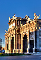 Puerta de Alcala in Plaza de la Independencia, Madrid, Spain