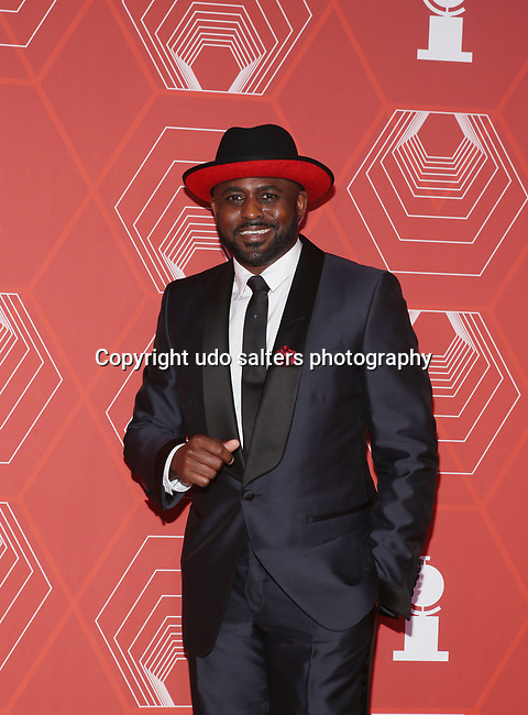 Wayne Brady attends the 74th Tony Awards-Broadway's Back! arrivals at the Winter Garden Theatre in New York, NY, on September 26, 2021. (Photo by Udo Salters/Sipa USA)