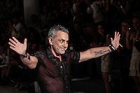 SAO PAULO, SP, 22 MARÇO 2013 - SPFW - LINO VILLAVENTURA - Desfile da grife Lino Villaventura durante o São Paulo Fashion Week ( SPFW ) Verão 2013 e 2014 realizado no Espaço da Bienal no Parque do Ibirapuera em São Paulo (SP), nesta sexta-feira (22). (FOTO: LINO VILLAVENTURA / BRAZIL PHOTO PRESS).