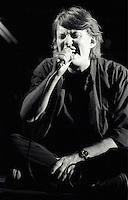 Il cantautore Fabrizio De Andre' durante uno dei suoi ultimi concerti, allo stadio delle Aquile, Roma, 19 luglio 1998, pochi mesi prima della scomparsa, avvenuta l'11 gennaio 1999.<br /> Italian singer-writer Fabrizio De Andre' performs on stage during one of his last concerts, in Rome, 19 july 1998. De Andre' died on 11 january 1999.<br /> UPDATE IMAGES PRESS/Riccardo De Luca