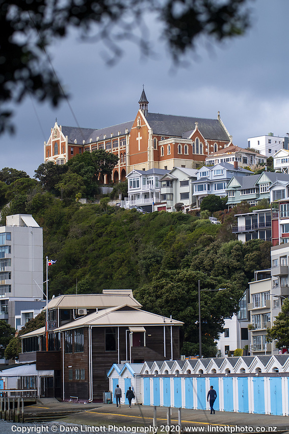 Oriental Parade at 2pm, Thursday, during lockdown for the COVID19 pandemic in Wellington, New Zealand on Thursday, 23 April 2020. Photo: Dave Lintott / lintottphoto.co.nz