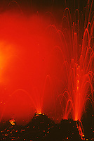 Ätna, Etna, Ausbruch des Vulkan, Vulkanausbruch, Vulkan-Ausbruch, Lava, Magma wird ausgestoßen, Sizilien, Italien