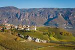 Italy, Alto Adige - Trentino (South Tyrol), near Bolzano, Community Appiano sulla Strada del Vino - district Missiano at the Castle Route: surrounded by vineyards | Italien, Suedtirol, bei Bozen, Gemeinde Eppan - Ortsteil Missian an der Eppaner Burgenstrasse: umgeben von Weinbergen