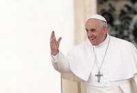 Papa Francesco saluta i fedeli durante l'udienza generale del mercoledi' in Piazza San Pietro, Citta' del Vaticano, 22 marzo, 2017.<br /> Pope Francis waves to faithful during his weekly general audience in St. Peter's Square at the Vatican, on March 22, 2017.<br /> UPDATE IMAGES PRESS/Isabella Bonotto<br /> <br /> STRICTLY ONLY FOR EDITORIAL USE