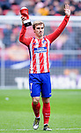 Antoine Griezmann of Atletico de Madrid receives the award for the leagues best player of the month of February  prior to the La Liga 2017-18 match between Atletico de Madrid and RC Celta de Vigo at Wanda Metropolitano on March 11 2018 in Madrid, Spain. Photo by Diego Souto / Power Sport Images