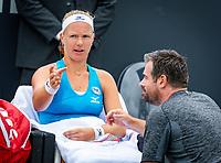 Den Bosch, Netherlands, 12 June, 2018, Tennis, Libema Open, Kiki Bertens (NED) is being coached by Raemon Sluiter (NED)<br /> Photo: Henk Koster/tennisimages.com