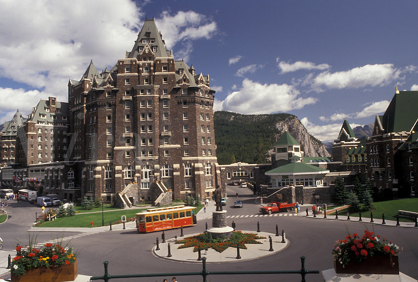 AJ3633, Banff National Park, Banff, Alberta, Canada, Canadian Rockies, Rocky Mountains, Banff Springs Hotel in Banff in Banff National Park in the province of Alberta.