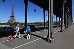Viaduc de Passy of Bir-Hakeim bridge Pont de Bir-Hakeim with Eiffel Tower la tour eiffel in the background. City of Paris. Paris. France