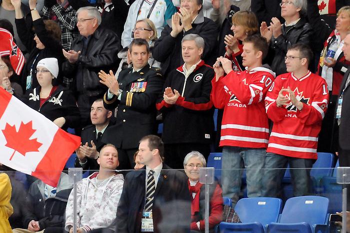 Stephen Harper, Vancouver 2010 - Para Ice Hockey // Para-hockey sure glace.<br /> Team Canada plays against Italy in Para Ice Hockey action // Équipe Canada affronte l'Italie dans un match de para-hockey sur glace. 13/03/2010.