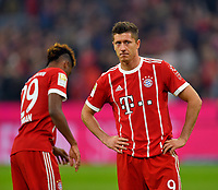 22.09.2017,  Football 1.Liga 2017/2018, 6. match day, FC Bayern Muenchen - VfL Wolfsburg, in Allianz-Arena Muenchen. Robert Lewandowski (FC Bayern Muenchen) ist skeptisch *** Local Caption *** © pixathlon<br /> <br /> +++ NED + SUI out !!! +++<br /> Contact: +49-40-22 63 02 60 , info@pixathlon.de