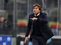 Calcio, Serie A: Inter Milano - Hellas Verona, Giuseppe Meazza stadium, November 9, 2019.<br /> Inter's coach Antonio Conte speaks to his players during the Italian Serie A football match between Inter and Hellas Verona at Giuseppe Meazza (San Siro) stadium, on November 9, 2019.<br /> UPDATE IMAGES PRESS/Isabella Bonotto